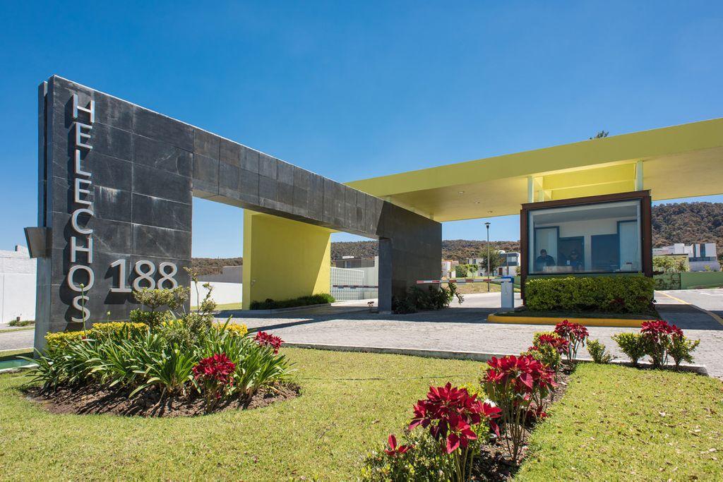 Los Robles Residencial 10